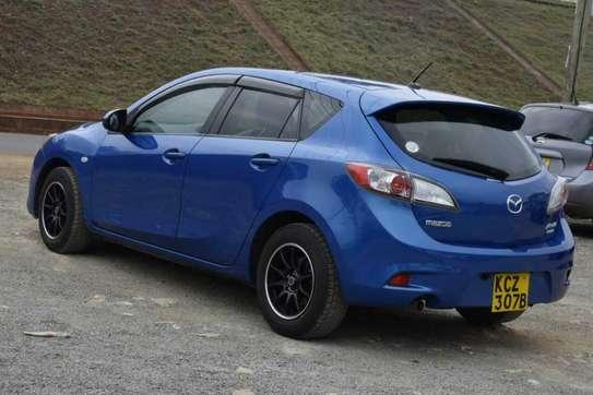 Mazda Axela image 7