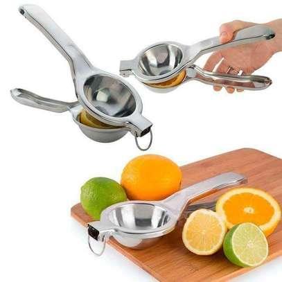 Handy Lemon or Orange Squeezer image 2