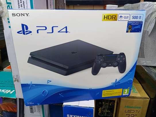 PS4 slim 500GB Console image 1