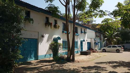 237 m² office for rent in Kilimani image 1