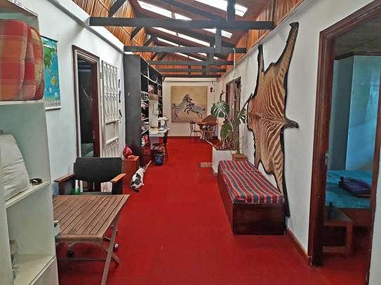 ROOM IN HOUSESHARE IN TIGONI image 6