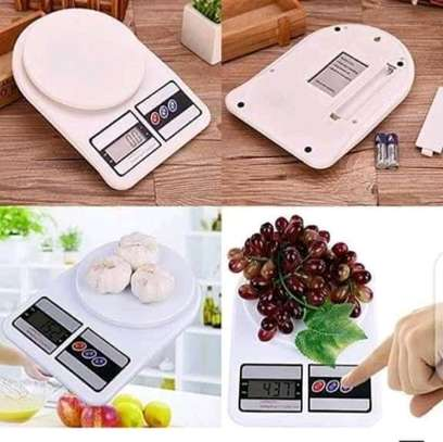 Kitchen digital weighing scale image 1