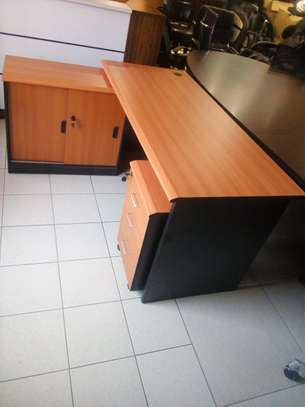 1.6m Imported Executive L-Shaped desks