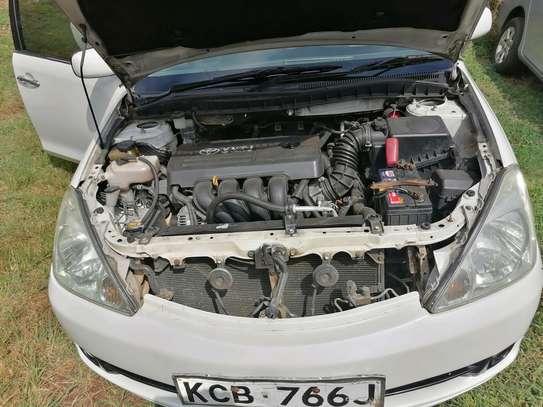 Toyota Allion image 7