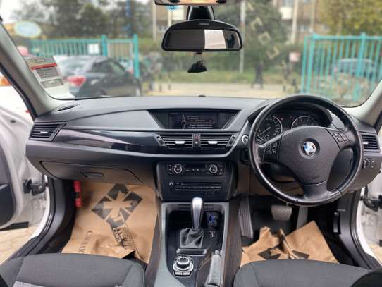 BMW X1 sDrive28i image 14
