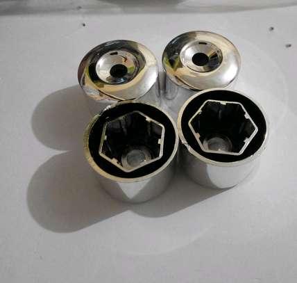 Lug nut covers image 2