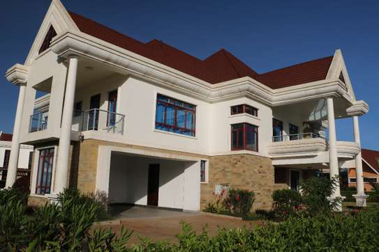5 bedroom luxury villa for sale in karen