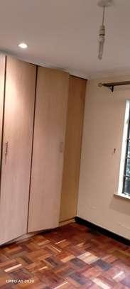 1 bedroom house for rent in Kileleshwa image 6