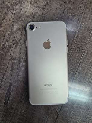 iphone 7 256gb image 2