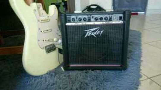 Peavy guitar amplifier