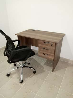 1.0 Metre Office Desk and Mesh Clerical Seat image 1