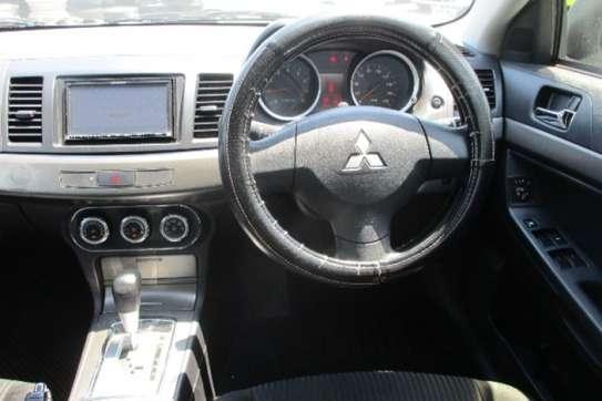 Mitsubishi Galant Fortis image 7