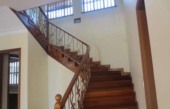 5 bedroom house for rent in Thigiri image 8