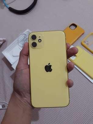 Iphone 11*Yellow 256GB* image 5