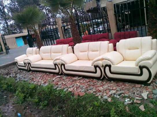 7-seater crescent leather seat