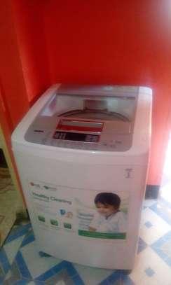 LG Turbodrum Washing Machine image 4