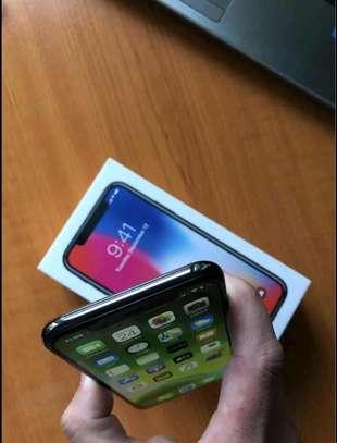 Apple Iphone x Black 256 Gigabytes image 3