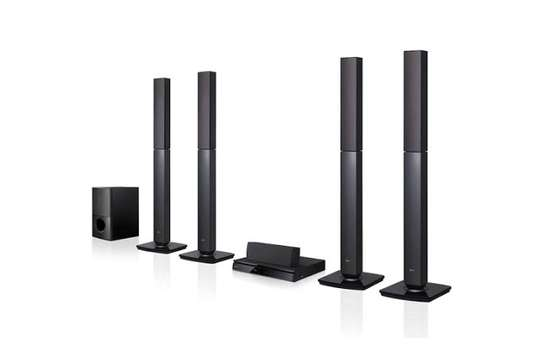 New LG Hometheatre LHD657 image 1