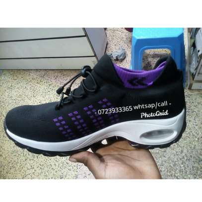 Latest shoe at affordable price image 2
