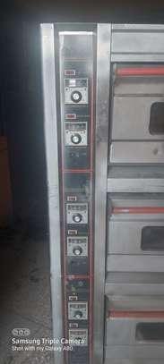 Tripple Deck oven image 7