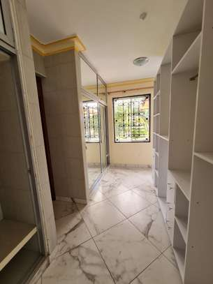 4 bedroom house for rent in Nyali Area image 12