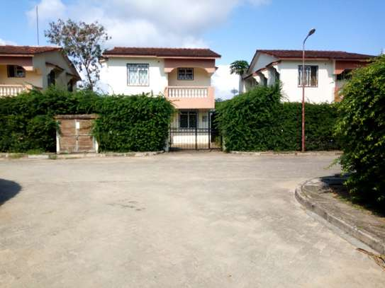 Three Bedroom Holiday Villa at Bandari Villas image 1