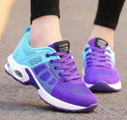 Klyt ladies sneakers image 4