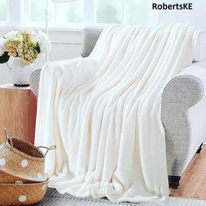 white fleece blanket image 1