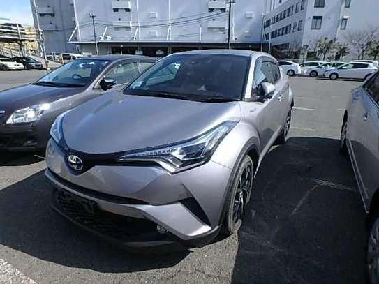 Toyota C-HR image 1