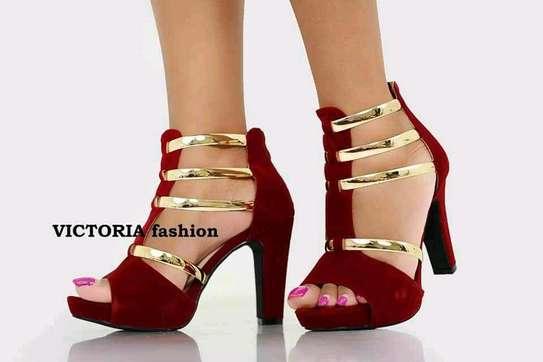 high heel shoes image 5