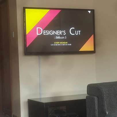 We offer TV Screen Hires for events in Trainings,Funerals, wedding image 1