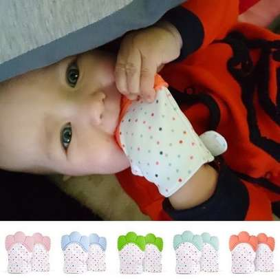 Baby Teething Mitten, Self Soothing Teether & Teething Pain Relief Toy, Prevent Scratches Glove Stay on Baby's Hand (1-Pack, Red/Orange)