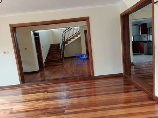 4 bedroom house for rent in Gigiri image 5
