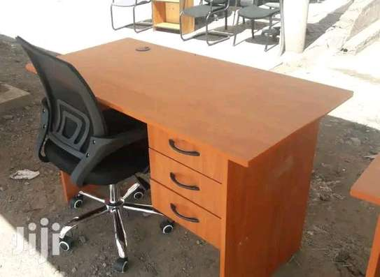 An office table plus height adjustable mesh office Chair image 1