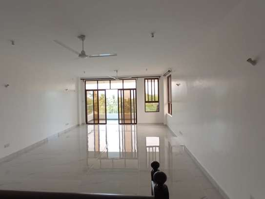3 bedroom apartment for rent in Nyali Area image 2
