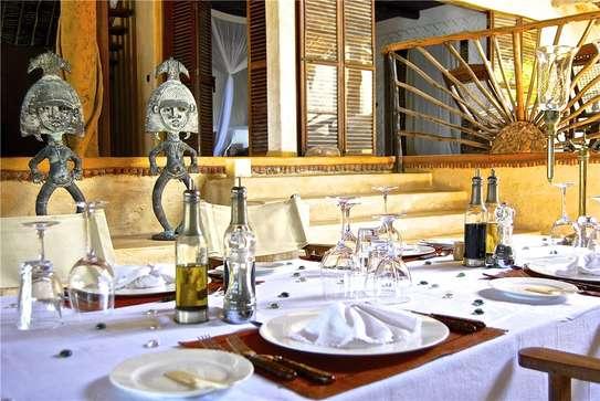Furnished 10 bedroom villa for sale in Diani image 16