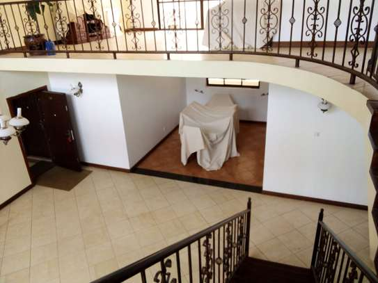 4 bedroom house for rent in Lavington image 1