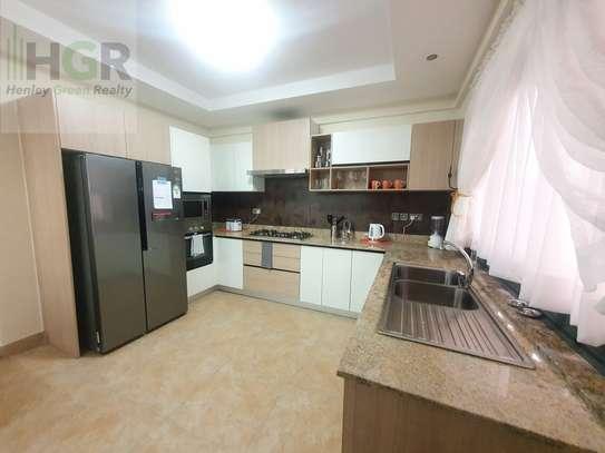3 Bedroom Apartment Riverside image 4