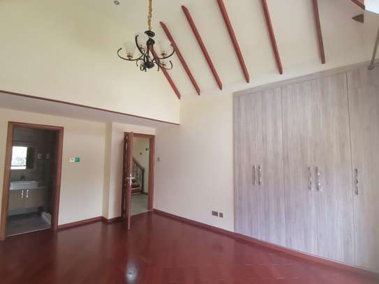 Magnificent 5 bedroom townhouse all ensuite with dsq for rent lavington area image 7