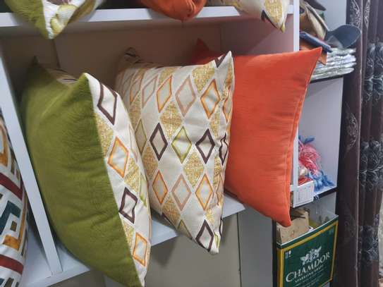 SWEDE QUALITY THROWPILLOWS image 3