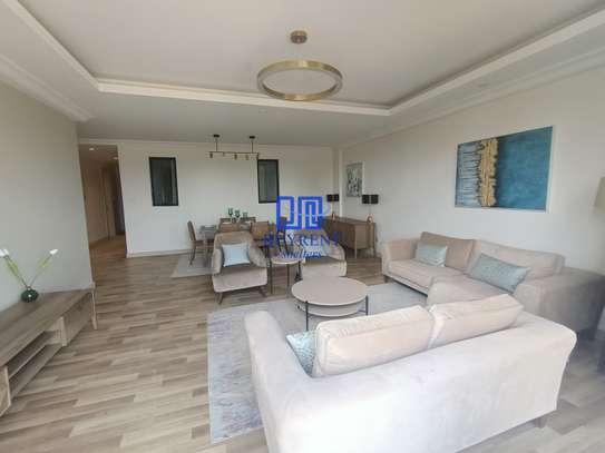 4 bedroom apartment for rent in Parklands image 2
