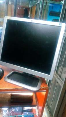 17 inches monitor