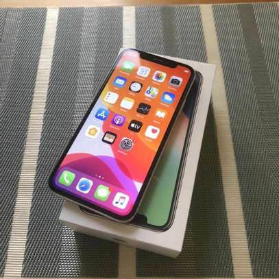 Apple Iphone X 256Gb And Iwatch Nike Edition image 2