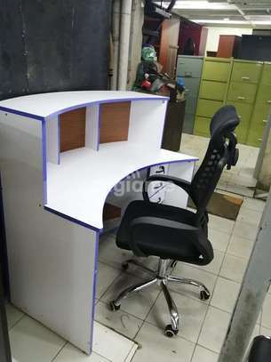 Curved Reception Desks image 2