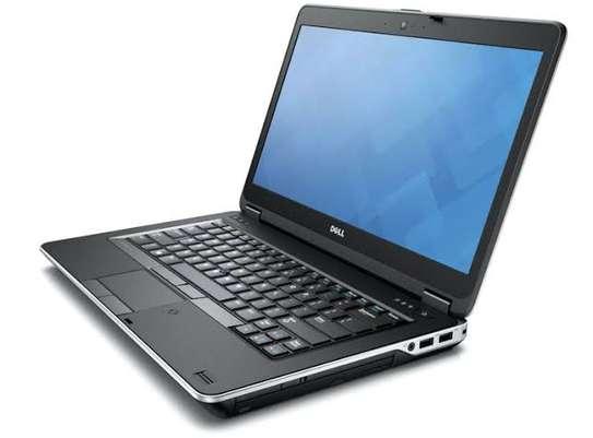Dell Latitude E6330 Core i5  - 4GB Ram - 320GB HDD - 2.5GHz speed . image 1