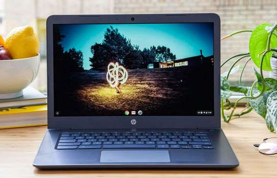 HP 14 Notebook AMD A4 7th Gen with 2GB Radeon R3 Integrated Graphic Card. 4GB Ram/ 128SSD. 14 inch image 5