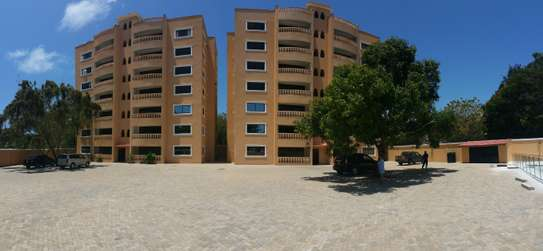 3br penthouse apartment for rent in old Nyali. Id 2105 image 1