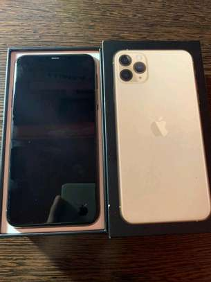 Apple Iphone 11 Pro Max / 512 Gigabytes / Gold And Wireless Airpods image 2
