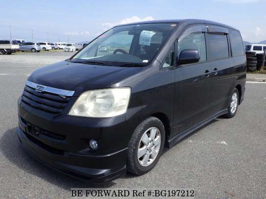 Toyota Noah for Hire