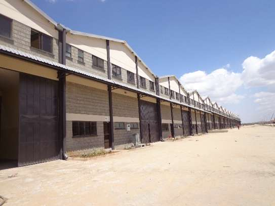 8000 ft² warehouse for rent in Athi River Area image 4